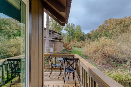 Lofted, modern cabin w/ wood stove, deck & country setting - bring the dog!