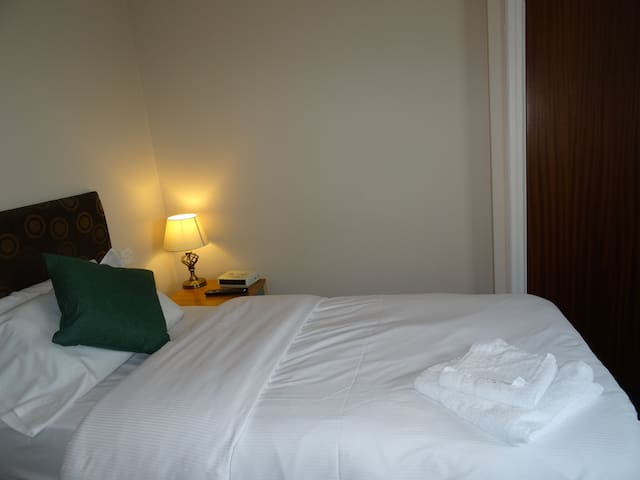 AJ Lodge, Double room with Shared Bathroom