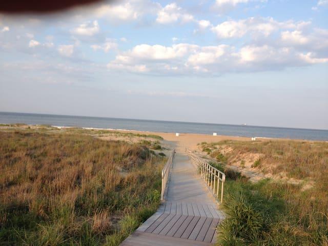 The Nicest Beach in Virginia Beach 2BR/2Bath Apt - Virginia Beach - Apartment