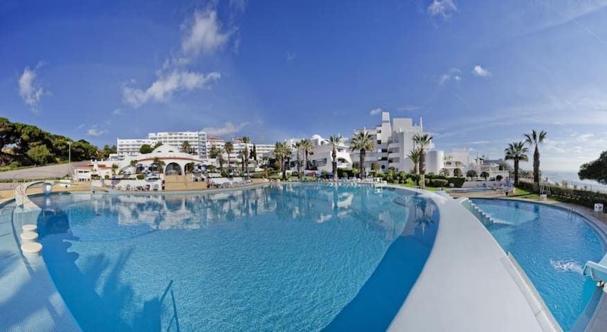 Oura View Beach Club T1 Apt - Albufeira