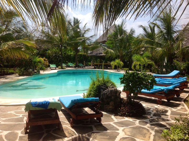 House with 3 bedrooms in Watamu, with shared pool, furnished terrace and WiFi - 100 m from the beach