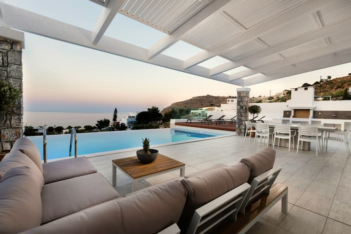 Villa Serene in Lindos with heated swimming pool