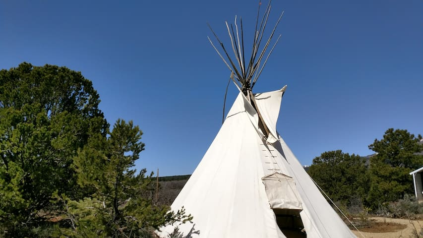 Canyonlands Tipi - Monticello - Tipi