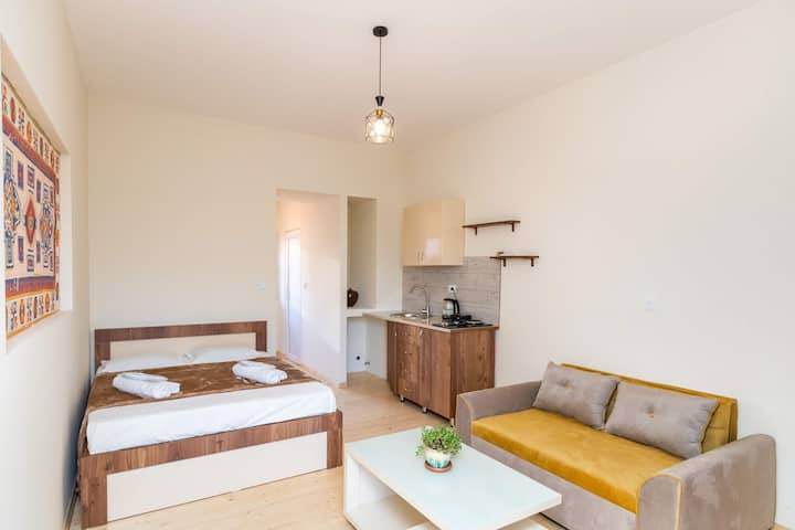 Perfect location, newly renovated apartment