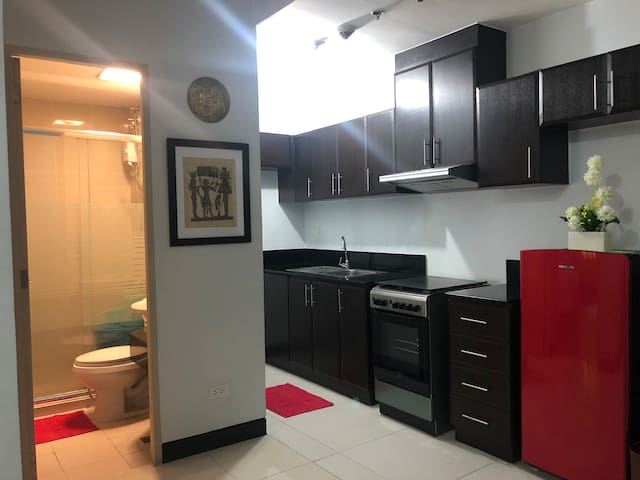 ManhattanT1,1BR,WIFI,hotshower w/in Araneta Center