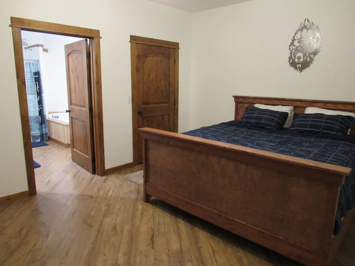 Montana Mountain View Lodge (Bear Paw Suite)