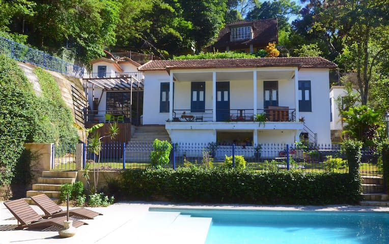Nice Independant little house in Colonial Villa