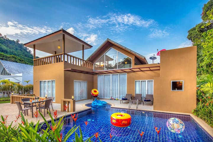 3 Bedroom Villa with Private Sauna & Swimming Pool