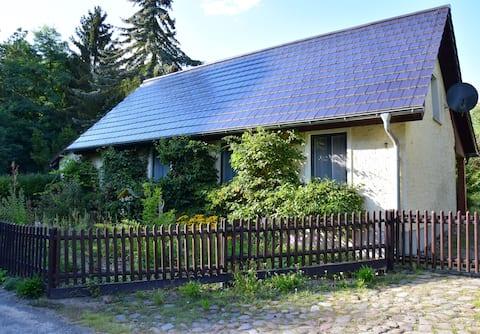 ruhiges, romantisches Ferienzimmer mitten im Wald