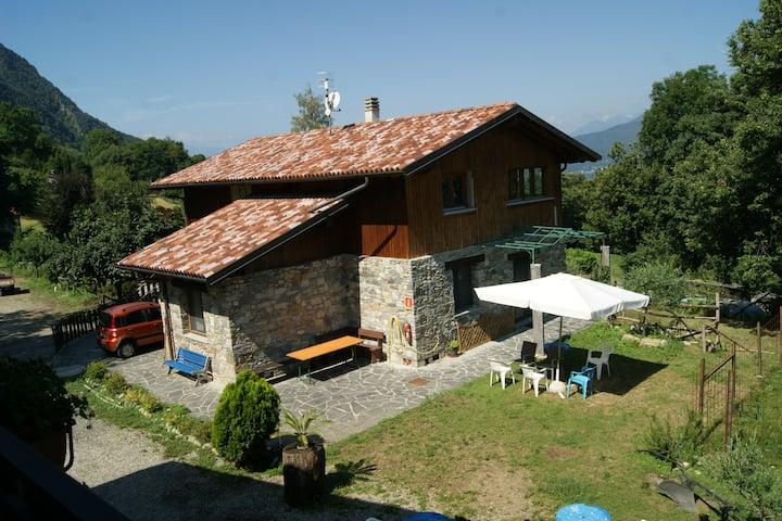 TRILO in Agriturismo con piscina - Lago Maggiore
