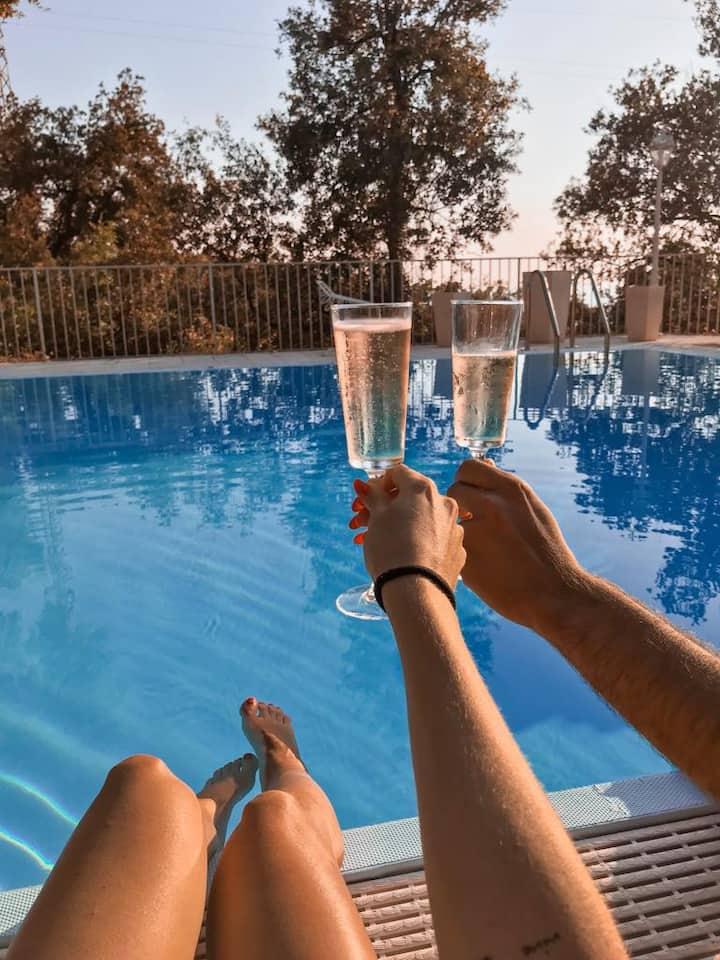 Rilassante Villa con piscina, vista sul mare e SPA