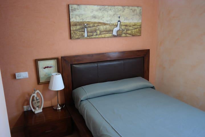Piso céntrico. 3 habitaciones 2 baños ( WIFI )