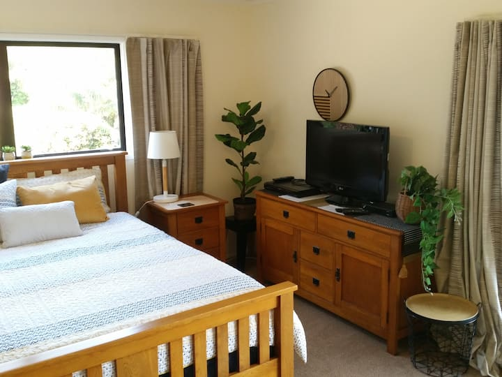 Relax in rural comfort 5km from Whangarei city
