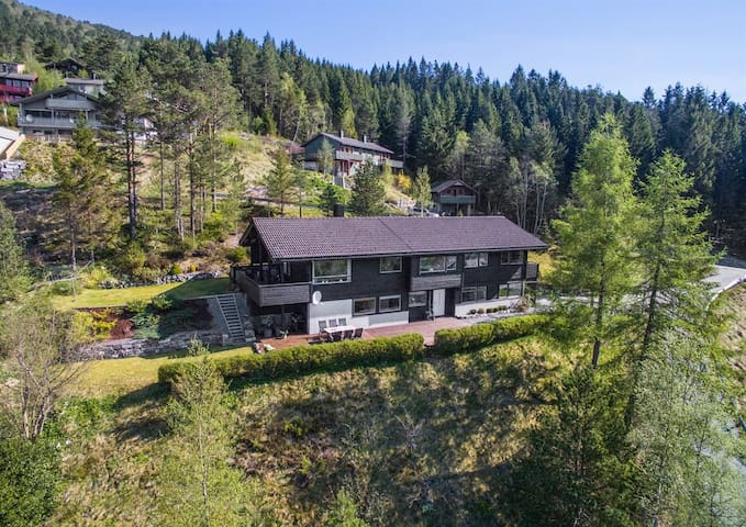 Villa Heiane - Sykkylven - Villa