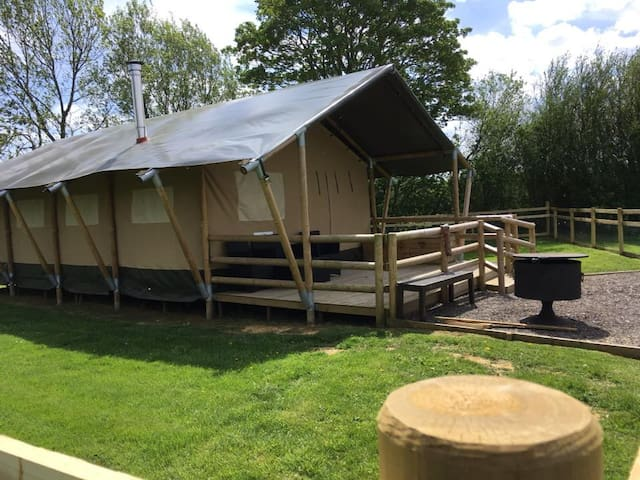 Hawthorn Retreat, Glamping, Lincolnshire Wolds