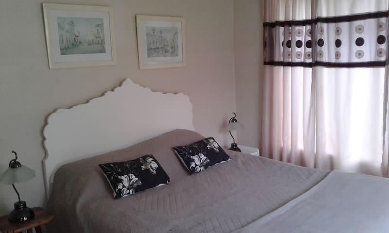 Kingfisher self-catering cottage - Harare