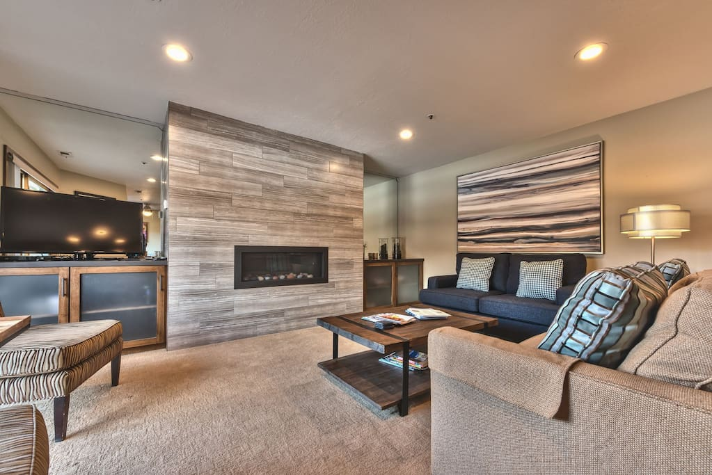 """Newly Remodeled Living Room with 42"""" LCD TV, DVD, Stereo, and Gas Fireplace"""