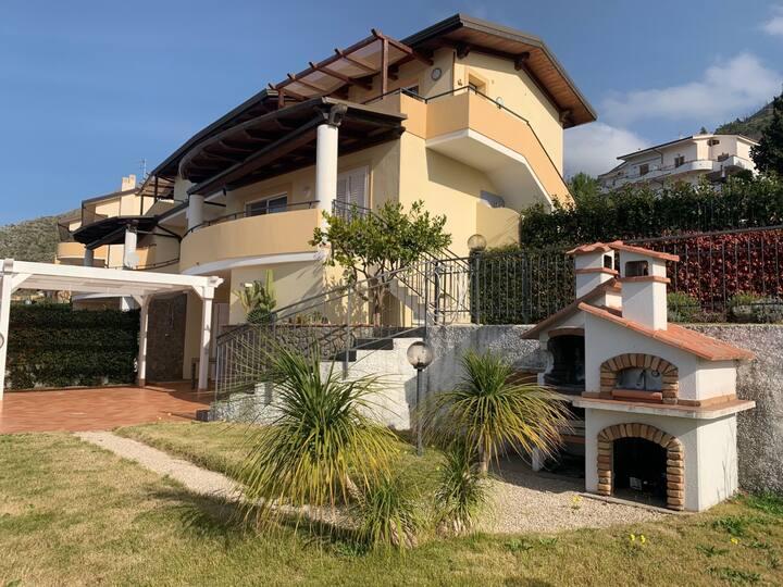Villa Tea - Isola Dino - Saraceno