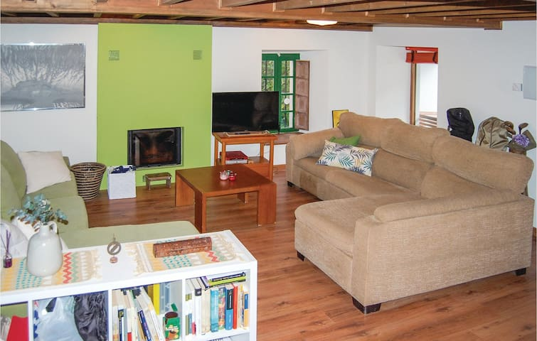 Holiday cottage with 3 bedrooms on 120 m² in Llanes
