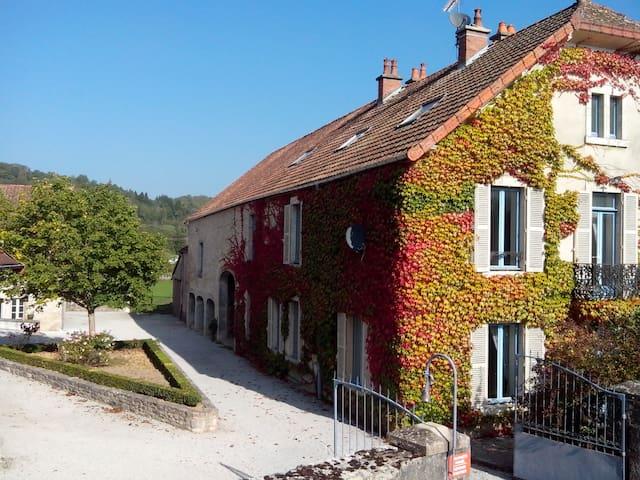 Maison de Maître- Maison Papotte - Bligny-sur-Ouche - วิลล่า