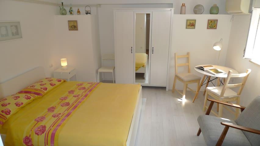 Studio Apartment Seka III