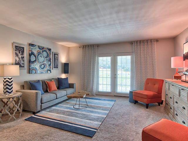 Clean apt just for you   2BR in Homewood