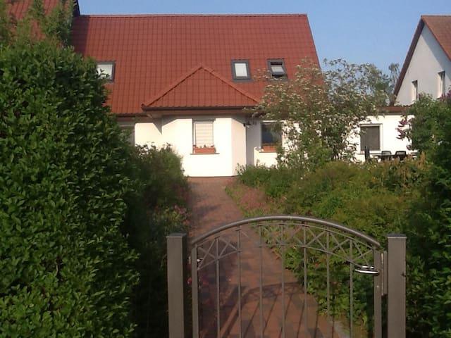 Schöne Ferienwohnung auf der Westseite von Rügen - Ummanz - 아파트(콘도미니엄)