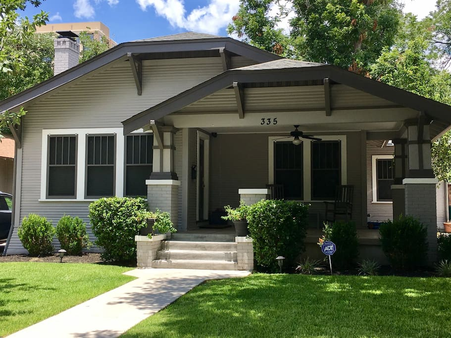 Charming Bungalow Near Riverwalk Amp Museums Bungalows For