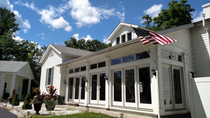 SaratogaTrack Rental, Waterfront Estate