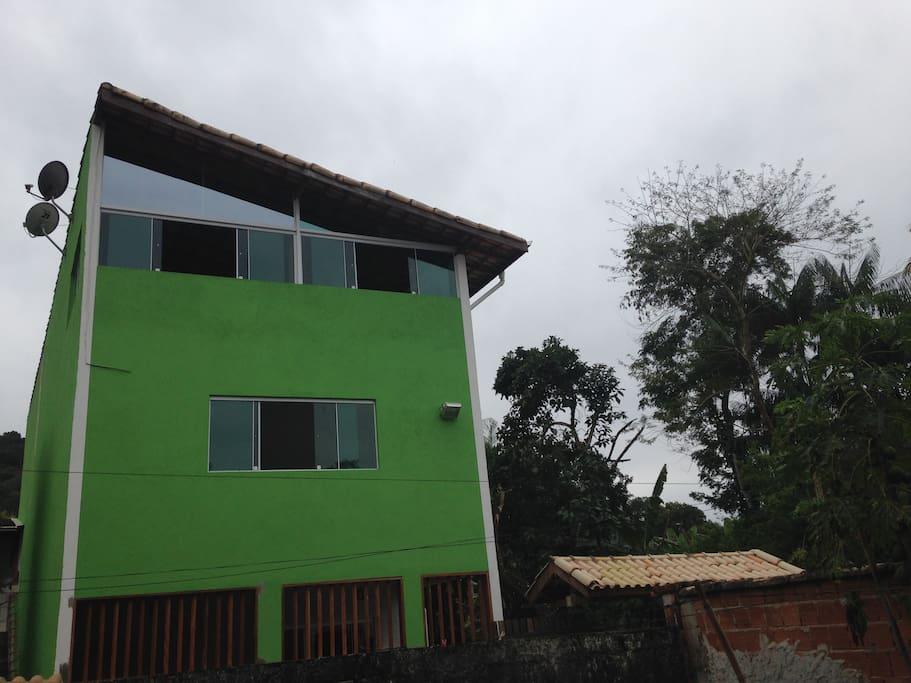 Vista externa lateral da Casa
