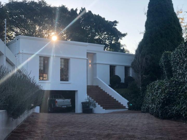 Stunning spacious home in Waterkloof Ridge