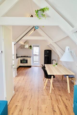 Brand new City apartment (4p)
