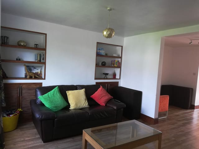 Comfy 3 bed house near Windsor Castle and Legoland