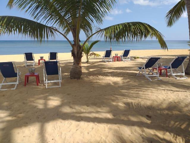 Beach Club Hotel Casa Olga en playa Las Ballenas