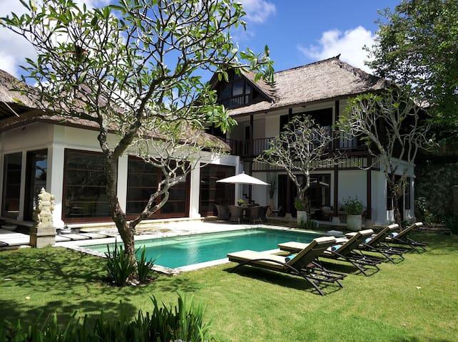 4 Bed Villa in Jimbaran