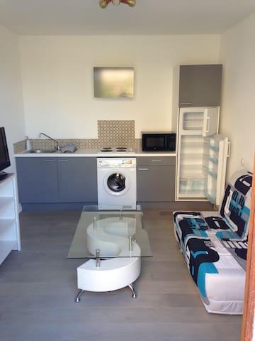 Studio neuf et agréable à Sainte Maxime