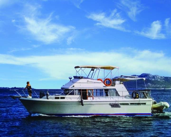 Mykonos Yacht Stay