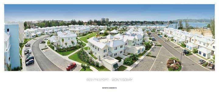 'Emerald Isle' 1 BDR apt in Beach Resort Area