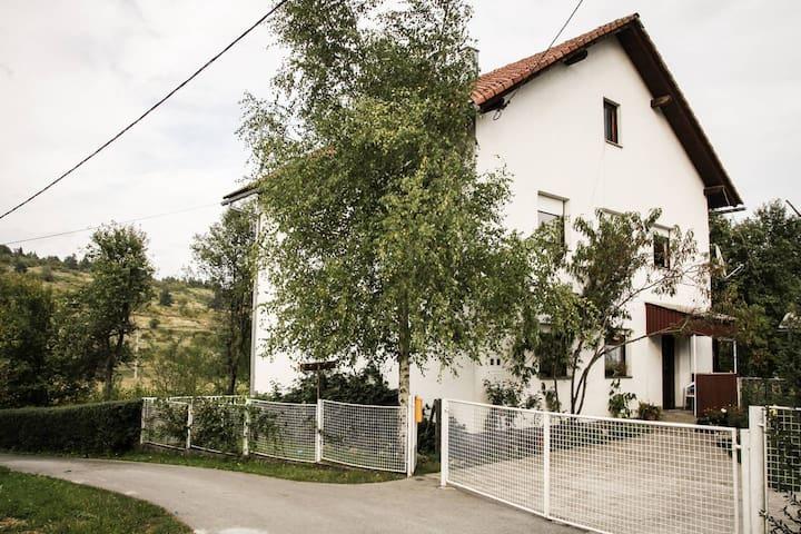 "Cozy Apartment ""Marija"" Saborsko - Saborsko - Appartement"