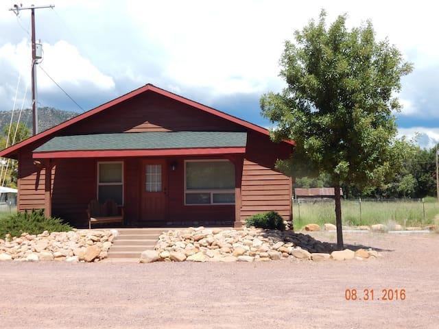 Pine Creek Cabins...Cabin 1...Aspen - Pine - Srub