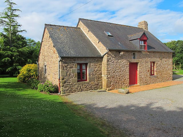 Holiday home in Saint Broladre