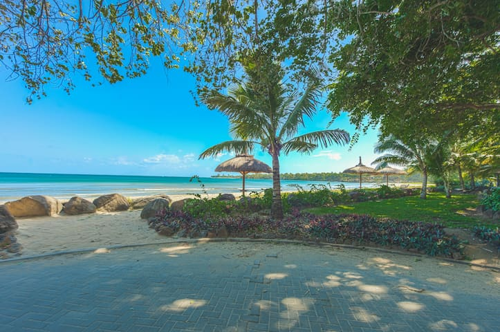 5 BR House in Tamarin - 1min from the Beach