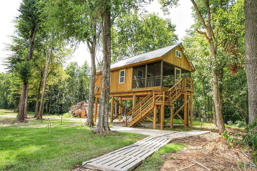 greene 39 s pond treehouse cabanes dans les arbres louer elizabethtown caroline du nord. Black Bedroom Furniture Sets. Home Design Ideas