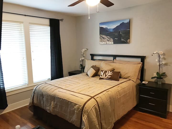 A2 bedroom in the A Unit of The Whitney House