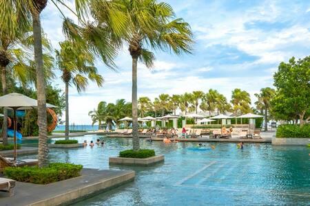 1BR apt in Hyatt resort, 5%, free air pick up