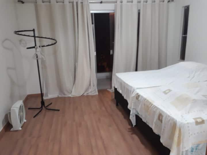Apartamento em casa dentro de condomínio fechado