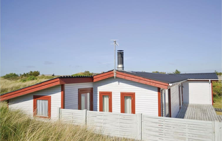 Holiday cottage with 2 bedrooms on 80m² in Hvide Sande