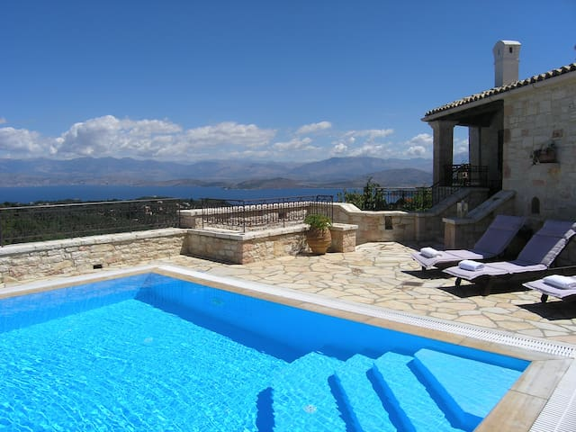 Enjoy the pool and the sea view