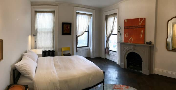 Large Room with Private Bath in Clinton Hill