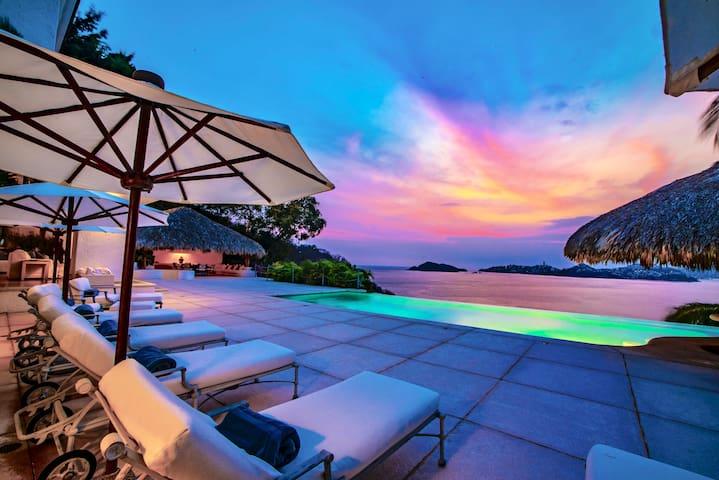 Las Brisas Luxury Villa 5 Bedrooms